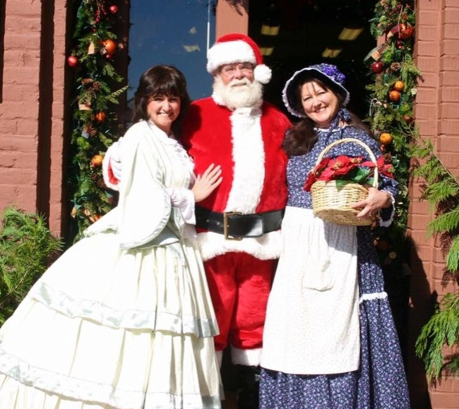 santa and Bells of Dahlonega 1